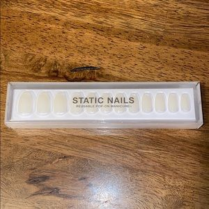 Static Nails Pop On Manicure